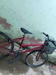 Bike vermelha, aro 26 pra sair rápido!! Consertada, pegar e andar