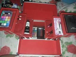 Maleta de maquiagem na caixa