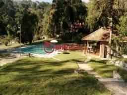 Sítio excelente com 7 quartos e com um ótimo terreno na Granja Florestal.