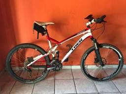 Bicicleta trek topfuel 8