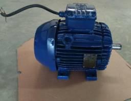 Motor Trifásico 7,5 cv 4 pólos