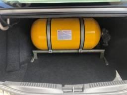Gran siena 2015 1.6 c/ gas g5 dualogic 99000km - 2015