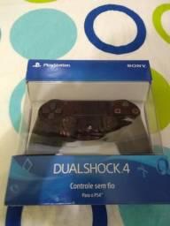 Vendo controle PS4 pouco usado(1 mês) na caixa