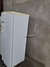 Vendo geladeira eletrolux sem marcas