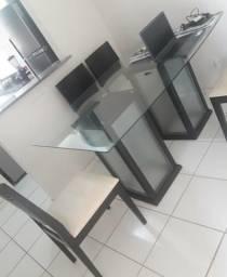 Vendo mesa de vidro com 6 cadeiras