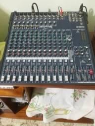 Vendo equipamento de som profissional completo seminovos para igrejas, salão ou residência