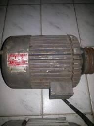 02 motores trifásico de 3 e 2 CV