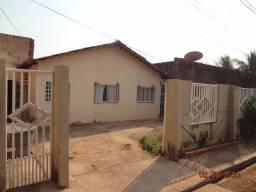 Casa com 2 quartos em condomínio, ao lado Santa Inês