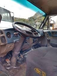 Vendo um caminhão vw 8 150