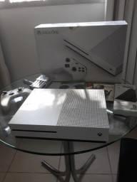 Xbox one s 500gb (completo) novinho!!!