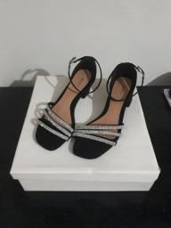 Título do anúncio: Sandália Com Salto - Akazzo Style