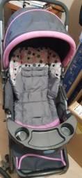 Título do anúncio: Carrinho de bebê Cosco reversível e bebê conforto
