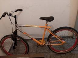 Bicicleta freestyle p/ adulto