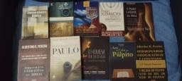Título do anúncio: Livros e bíblias top!