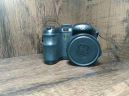 Vendo Câmera (14.1 megapixels)+carregador de pilhas recarregáveis
