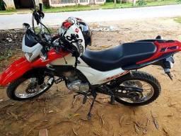 Moto Honda Bros 160 - 2017