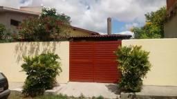Excelente casa com 3 quartos, no melhor Bairro de gravatá R$170.000,00
