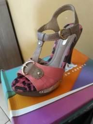 Vendo uma sandália dakota nova numeração 38