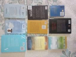 Livros (8)  e DVD (1)