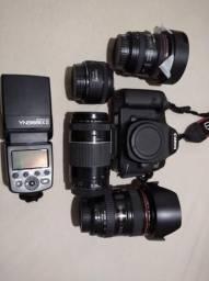 Câmera profissional Canon + 4 lentes, flash e tripé