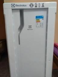 Geladeira Electrolux na caixa