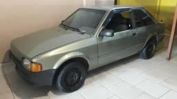 Vendo escort GL,Carro inteiro,faço preço para sair rápido - 1989