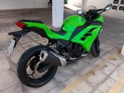 Kawasaki Ninja 300, estado de zero!! - 2013
