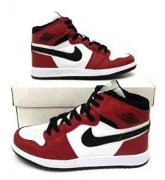 Sapatos esportivos e casuais