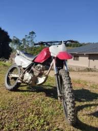 Moto de trilha linda Honda 200