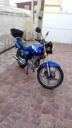 Moto Suzuki 125 baixo da FIPE