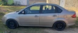 Fiesta sedan R$ 14.500 Negociável