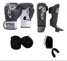 Kit Muay Thai caneleiras e luvas de boxe
