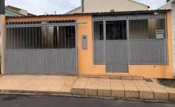Vende-se casa no condomínio fechado Villa Verde 1.