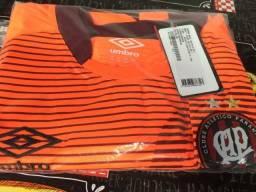 Título do anúncio: Camisa do Cap - Tam 3GG - Original Umbro, nova com etiqueta.