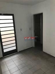Casa com 1 dormitório para alugar por R$ 600,00/mês - Jardim Copacabana - Jundiaí/SP