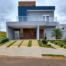 Título do anúncio: Casa de condomínio para venda possui 210 metros quadrados com 3 quartos