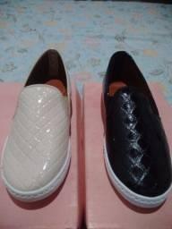 Vendo sapatilhas Cor Nude e Preta novas nunca usadas