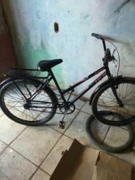Uma bicicleta Caloi preta