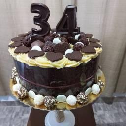 Título do anúncio:  Torta de aniversário personalizado a partir de R$ 85,00
