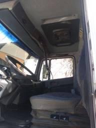 Caminhão L 1318