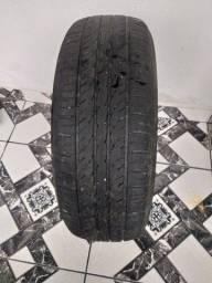 Título do anúncio: Vende-se um pneu 195/ 65 /15. R$ 120