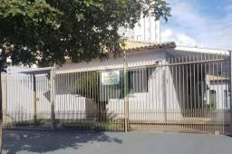 Casa com 3 dormitórios para alugar por R$ 2.600,05/mês - Jardim Mato Grosso - Rondonópolis