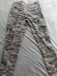 Calça feminina camuflada