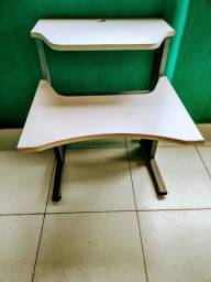 Título do anúncio: Mesa para computador e impressora - valor R$ 100,00