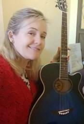 Professora de violão - para crianças e mulheres