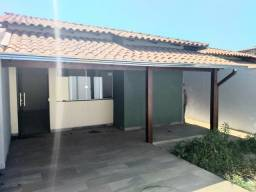 Linda Casa Geminada, Nova, com Lote 180m2, Quintal, em Juatuba MG