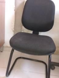 Cadeira escritório muito boa