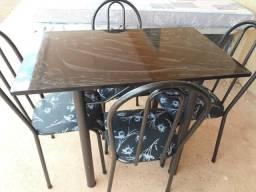 Mesa nova 4 cadeiras