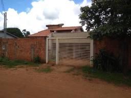 Casa térrea com 720m² de área total