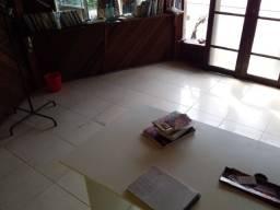 Alugo para escritório frente Celso Ramos